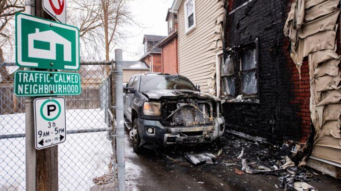 Правительство Онтариo хочет окончить войну буксировщиков