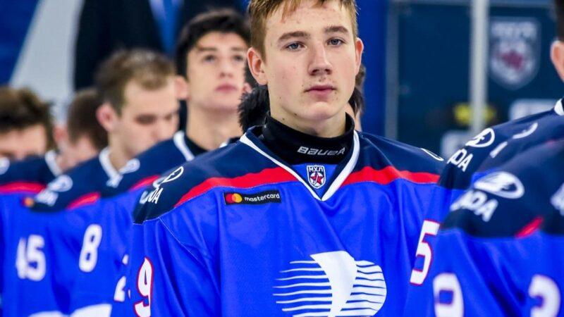 Россиянин может стать лучшим атакующим защитником на драфте НХЛ